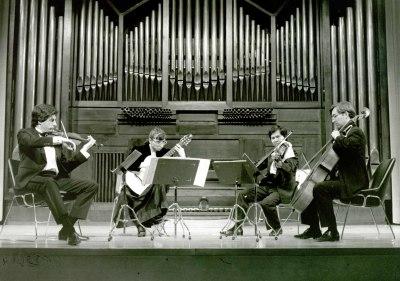 Víctor Ambroa, Thuan Do Minh, Avelina Vidal Seara Seara y Jorge Pozas. Música de cámara - Paganini y la guitarra
