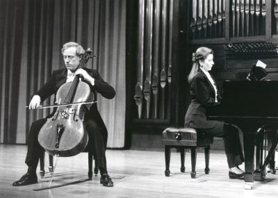 Paul Friedhoff y Eugenia Gabrieluk. Concierto El violonchelo romántico