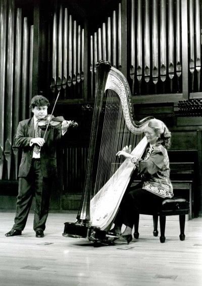 Angelines Domínguez y Manuel Guillén. Concierto Alrededor del arpa (En homenaje a Zabaleta)