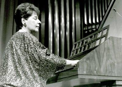 María Teresa Chenlo. Concierto Ligeti: integral de su obra para piano y clave