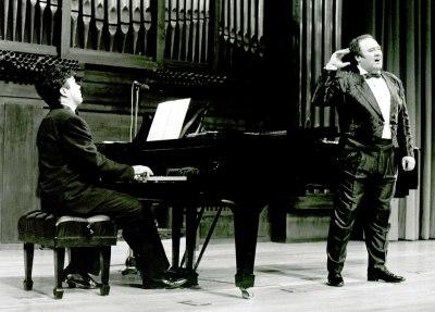 Eduardo Melians y Manuel Valencia. Recital de canto y piano