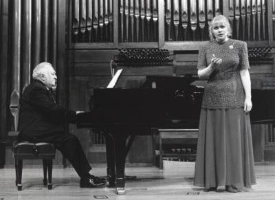 Miguel Zanetti y Glafira Prolat. Concierto Música para tres poetas