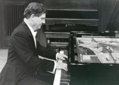 Joan Moll. Concierto Valses y mazurcas para piano