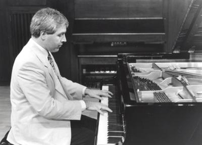 Miguel Lecueder. Recital de piano