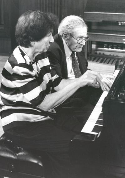 Joan Rowland y Karl Ulrich Schnabel. Concierto Piano a cuatro manos