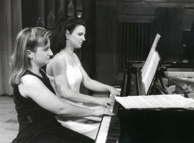 Carolina Bellver y Sara Marianovich. Concierto Joaquín Rodrigo: integral de piano y violín-piano