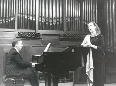 Cecilia Lavilla Berganza y Juan Antonio Álvarez Parejo. Recital de canto y piano
