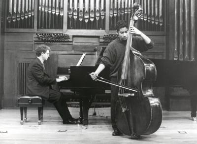 Gabriel León y Ángel Gago Bádenas. Concierto La Paz y la Guerra en el arte y la música del s. XX