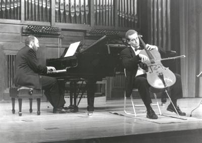 Kennedy Moretti y Frigyes Fogel. Recital de violonchelo y piano