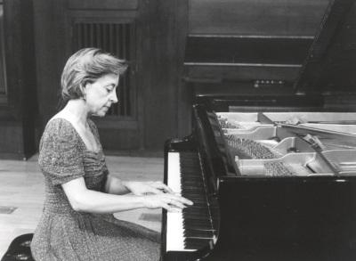 Ana Guijarro. Concierto Sonatas para piano del siglo XX