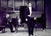 Ángel Rodríguez Rivero y Kennedy Moretti. Concierto Britten: música de cámara y canciones , 2002