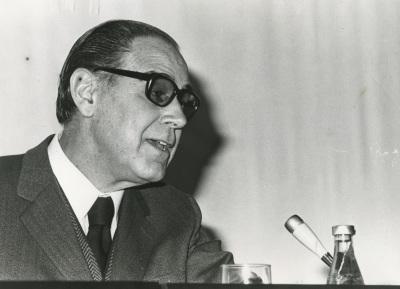 Alonso Zamora Vicente en el ciclo El español de América
