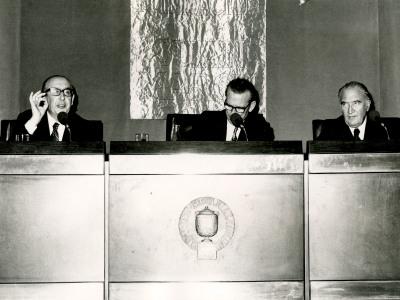 Álvaro Cunqueiro, Eugenio de Bustos y José María Alfaro. Conferencia sobre Álvaro Cunqueiro habla de su obra con José María Alfaro dentro del ciclo Literatura viva