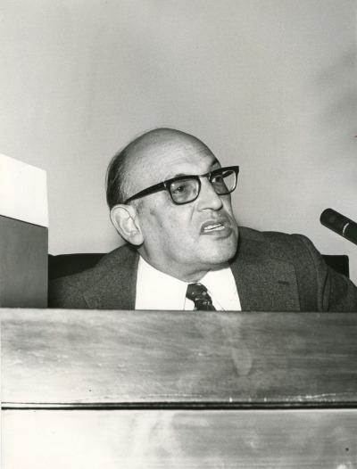 Francisco Rodíguez Adrados en el V Simposio de la Sociedad Española de Lingüística