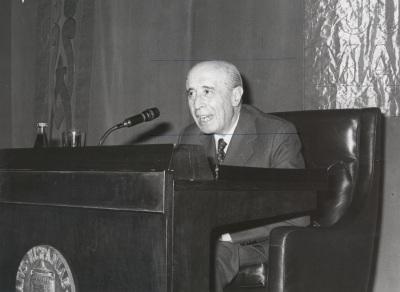 José Antonio Maravall. Conferencia sobre Feijóo en el pensamiento político y social de la Ilustración dentro del ciclo Centenario de Feijóo