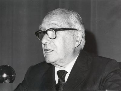Enrique Lafuente Ferrari. Conferencia sobre Variación, distorsión y mutación en el arte de Picasso dentro del ciclo En torno a la Exposición Picasso