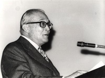 Fernando Zóbel en la conferencia inaugural de la exposición De Kooning
