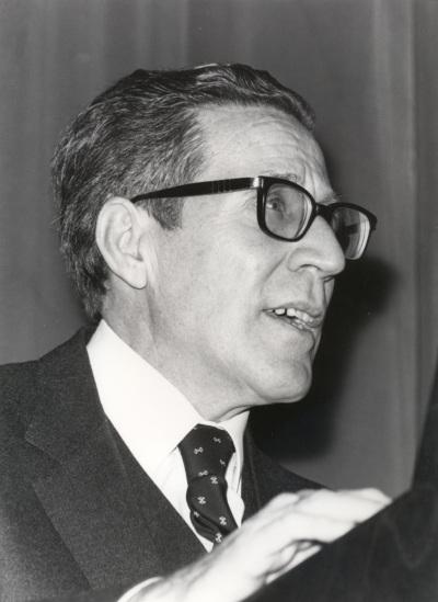 Antonio López Gómez. Conferencia sobre El desarrollo urbano (1860-1936) dentro del ciclo Madrid, Villa y Corte