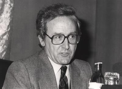 Elías Díaz García. Conferencia sobre ¿Qué es el socialismo? dentro del ciclo El socialismo, ayer y hoy