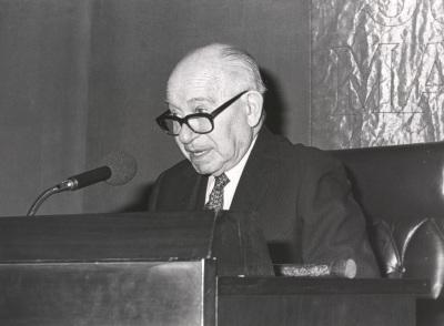 José López Rubio. Conferencia sobre Humoristas españoles en Hollywood dentro del ciclo El humor en el teatro español del siglo XX