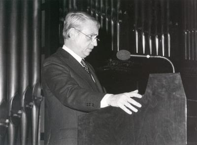 Cristóbal Hallfter en la presentación de su obra Tres Poemas de la Lírica Española