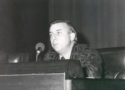 José Luis García del Busto en la presentación de la obra Espejo Oscurode Tomás Marco