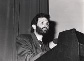 Carlos Martínez Alonso. Conferencia sobre Antigen processing and presentation. The biological role of MHC molecules in determinat selection - La nueva inmunología , 1988