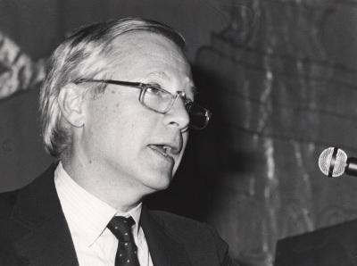 Philip W. Silver. Conferencia sobre Esa gran obra, la vida dentro del ciclo De la mano de Cernuda : invitación a la poesía