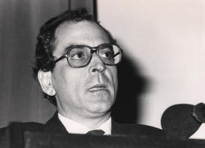 Antón Capitel. Conferencia sobre La arquitectura de Madrid hacia 1990 dentro del ciclo Madrid, fin de siglo
