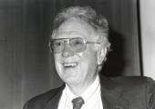 Oliver Smithies. Conferencia Making Animal Models of Common Human Genetic Diseases - Alteraciones del genoma , 1992