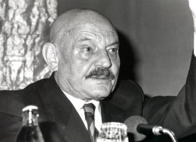 José Hierro. Conferencia sobre Guillén, perfil de su poesía dentro del ciclo Cuatro lecciones sobre Jorge Guillén en su centenario