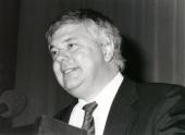 Michael S. Brown. Conferencia How Cell Control Cholesterol - Dinámica de las proteínas de membrana , 1994