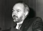Jorge Moscat. Conferencia How Cell Control Cholesterol - Dinámica de las proteínas de membrana , 1994