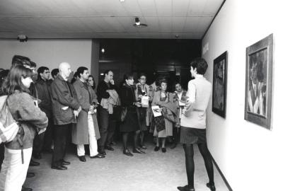 Visitantes a la exposición Malevich