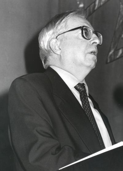 Manuel Seco en la presentación del libro La Lengua Española, hoy. Con motivo del 40 Aniversario de la Fundación Juan March.