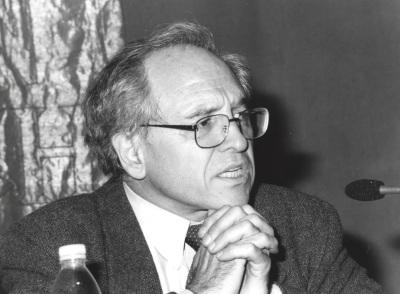 José Álvarez Junco. Conferencia sobre Las Ciencias sociales ante el fenómeno nacional dentro del ciclo La formación de la identidad española