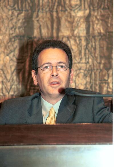 José Luis Pardo. Conferencia sobre ¿Por qué filosofía y no más bien nada? - IV SEMINARIO DE FILOSOFÍA Pensamiento crítico y progreso hacia sí mismo
