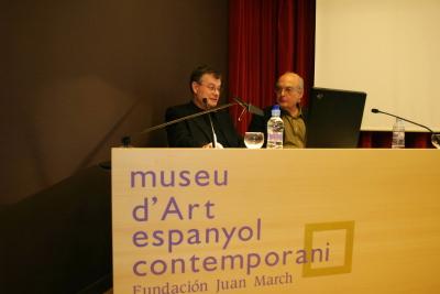 Miguel Cereceda y Luis Gordillo en la conferencia inaugural de la exposición Gordillo dúplex