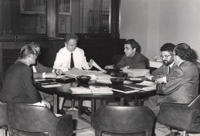 Cesar Milstein, Rafael Santandreu, Francisco García Olmedo, Juan Antonio Subirana, Enrique Cerdá y Andrés González Álvarez. Reunión Jurado de Biología