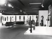 Vista parcial de la exposición Arte de Nueva Guinea y Papúa, 1977