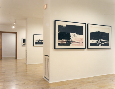 Vista parcial de la exposición Millares Pinturas y dibujos sobre papel 1963-1971