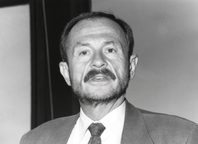Adam Przeworski. Profesor de seminario. Curso 1994-95