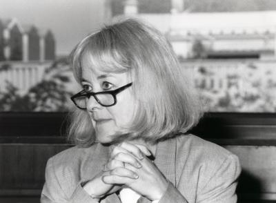 Nancy Bermeo. Profesora de seminario. Curso 2000-01