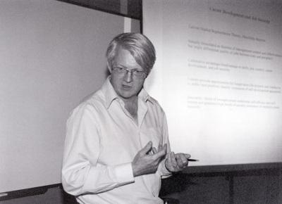 Duncan Gallie. Profesor de seminario. Curso 2001-02