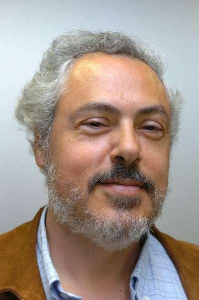 George Tsebelis. Profesor de seminario. Curso 2004-05