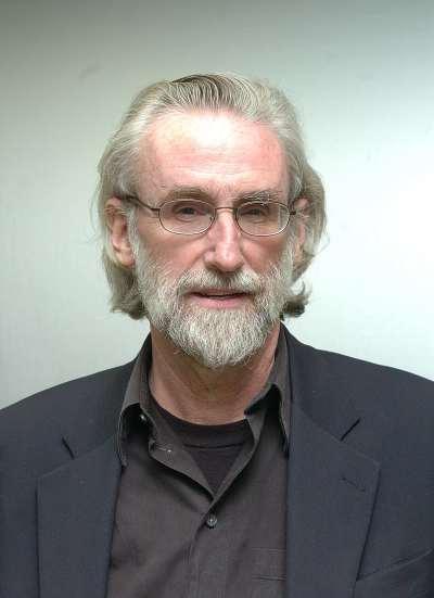 Stephen Holmes. Profesor de seminario. Curso 2004-05