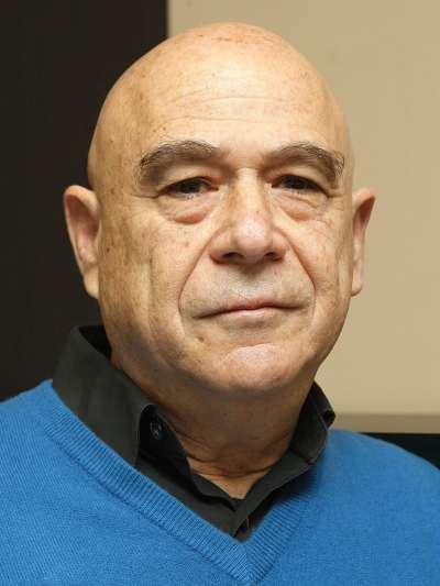 Moshe Semyonov. Profesor de seminario.