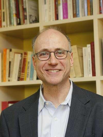 Donald Green. Profesor de curso.