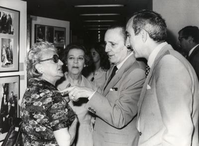 Maruja Guerrero, Amelia de la Torre, Antonio Buero Vallejo y José Luis Yuste Grijalba en el acto homenaje a los donantes de la Biblioteca de Teatro