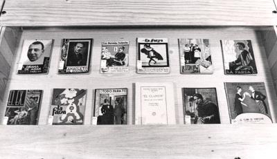 Vista parcial de la Exposición gráfica con fondos sobre Teatro Español del siglo XX